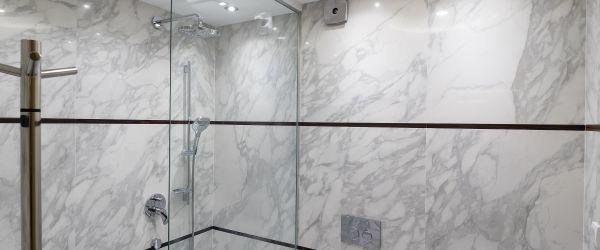 carrelage plafond salle de bain