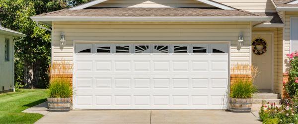 dimension porte garage baculante