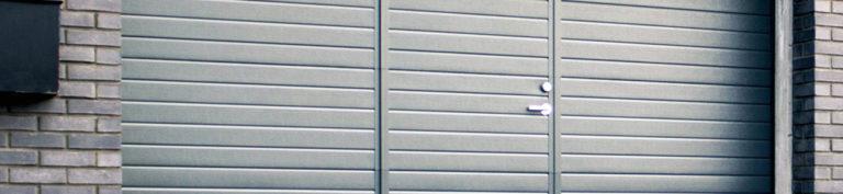 Porte de garage avec portillon : tarif et conseils