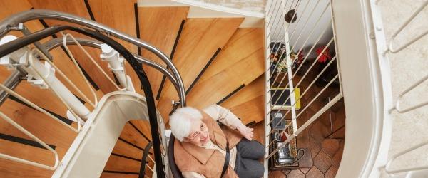 monte escalier colimaçon