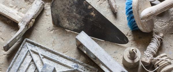 outils travaux maconnerie