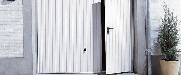 porte blanche garage avec porte