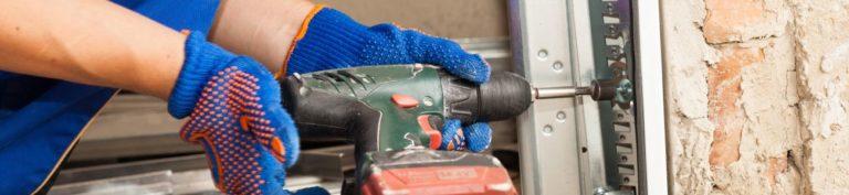 Prix porte de garage : conseils sur les matériaux et ouvertures