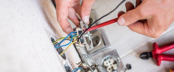 reparation prise electrique
